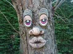 Tree Faces, Paper Mache Crafts, Garden Ornaments, Wow Products, Tree Art, Yard Art, Clay Art, Tree Decorations, Painted Rocks