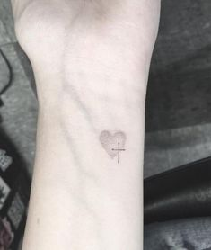 Cross Tattoos for Women - Ideas and Designs for Girls