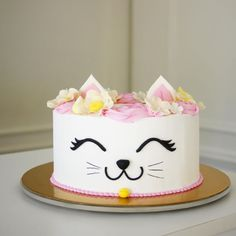 cat cake for cats birthday parties - cat birthday cake for cats + cat birthday cake for cats party ideas + cat cake for cats birthday parties Birthday Cake For Cat, First Birthday Cakes, Birthday Kitty, Birthday Ideas, Birthday Parties, Kitten Cake, Animal Cakes, Kitty Party, Girl Cakes