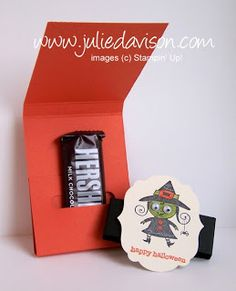 Julie's Stamping Spot -- Stampin' Up! Project Ideas by Julie Davison: Word Window Pocket Treat Holder VIDEO Tutorial Halloween Pop Up Cards, Halloween Candy Bar, Up Halloween, Halloween Treats, Halloween Greetings, Halloween Projects, 3d Projects, Fall Paper Crafts, Paper Crafting