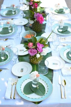 How to Make Formal China work for Outdoor Entertaining with Table+Dine and…