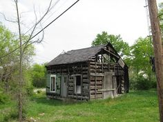 Said to be Oldest Log House In Columbia Tennessee -