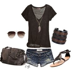 LOLO Moda: Stylish summer fashion with longer shorts of course! exept the shoes Fashion Moda, Look Fashion, Fashion Beauty, Fashion Outfits, Womens Fashion, Fashion Ideas, Ladies Fashion, Edgy Summer Fashion, Fashion Purses