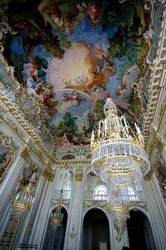 Nymphenburg Palace is one of the largest royal palaces in Europe. Join the hundreds of thousands of visitors to this baroque palace in Munich. Baroque Architecture, Renaissance Architecture, Residential Architecture, Baroque Art, Royal Life, Princess Aesthetic, Different Aesthetics, Baroque Fashion, Wedding Art