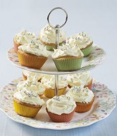 Mary Berry's lemon cupcakes with lemon icing
