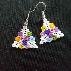 miyukitas # # # I miyuki beads jewelry is taktakis # # # colorful jewelry earrings # # # kolyeuc of earrings . Seed Bead Necklace, Seed Bead Jewelry, Beaded Jewelry, Beaded Bracelets, Beaded Earrings Patterns, Beading Patterns, Crochet Earrings, Peyote Beading, Earring Tutorial