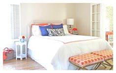 ORANGE BLUE BEDROM