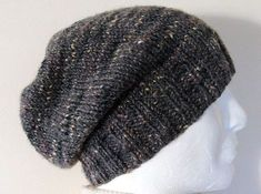 Simple and uncomplicated beanie knitting pattern for beginners and professionals alike . : Simple and uncomplicated beanie knitting pattern for beginners and professionals alike. A beanie is knitted fast and always looks good. Poncho Au Crochet, Crochet Gloves Pattern, Poncho Knitting Patterns, Knitting Socks, Free Knitting, Knitted Hats, Knit Crochet, Crochet Hats, Crochet Patterns
