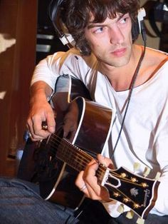 See Richard Ashcroft pictures, photo shoots, and listen online to the latest music. Music Love, Pop Music, Music Is Life, The Verve, Music Genius, Paul Weller, King Richard, Man Crush Everyday, Lucky Man