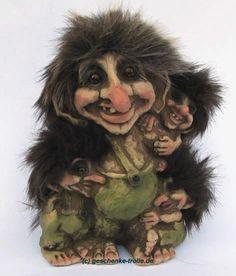 Norwegian Trolls Norway   Troll with three children, original Norwegian NyForm Troll 267