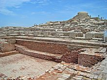 Ruins of Mohenjo-daro in present-day Sindh, Pakistan, one of the largest settlements of the ancient Indus Valley Civilization. Mohenjo-daro is one of the. Homo Heidelbergensis, Ancient Aliens, Ancient Egypt, Ancient History, Empire Moghol, Mohenjo Daro, Harappan, Archaeological Survey Of India, Archaeological Discoveries