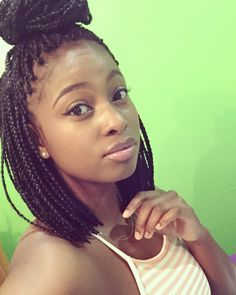 Box braids; Box braid bob. In love with these short shoulder length box braids.