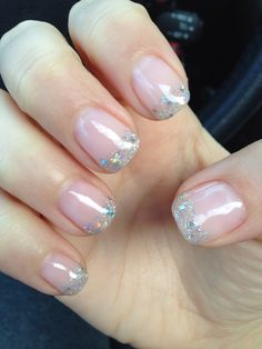 Sparkle french gel manicure for wedding! Beautiful and elegant nails. Very simple !