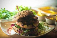 Thaiburgare. Salmon Burgers, Beef, Urban, Ethnic Recipes, Meat, Salmon Patties, Ox, Ground Beef, Steaks