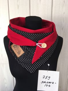 ropa reciclada Wrap scarf dots black red/ cloth red black with white dots and button / delimade Pop Couture, Sewing Scarves, Creation Couture, Neck Warmer, Head Wraps, Scarf Wrap, Buttons, Womens Fashion, Fabric