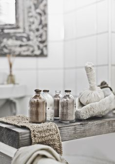 Hannah Lemholt for Love Warriors Decoration Inspiration, Bathroom Inspiration, Interior Inspiration, Turbulence Deco, Love Warriors, Home Spa, Bathroom Styling, Sustainable Living, Bathroom Interior