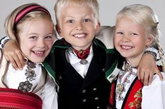Øst Telemark bunad til jente - Almankås Crown, Face, Instagram, Fashion, Moda, Corona, Fashion Styles, Faces, Fashion Illustrations