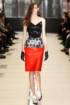 Balenciaga Red Skirt _775.jpg 533×800 pixels