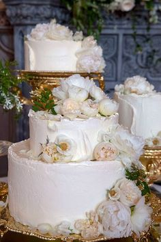 Cake! from Prince Harry and Meghan Markle's Royal Wedding Day Photos Claire Ptak designed the cake for the Duke and Duchess of Sussex.