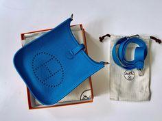 HERMÉS MINI EVELYNE TASCHE IN BLUE HYDRA  CLÉMENCE LEDER Hermes, Mini, Vintage Fashion, Couture, Ebay, Detail, Blue, Travel, Style