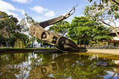 Monumento a la Vida - Rodrigo Arenas Betancur by rlzl, via Flickr
