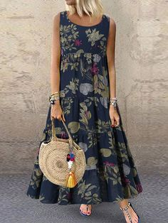 Vintage Floral Print Sleeveless Crew Neck Maxi Dress Source by newchicstylist dresses Vintage Style Dresses, Casual Dresses, Fashion Dresses, Summer Dresses, Casual Outfits, Dress Vintage, Boho Floral Dress, Floral Dresses, Dresses Dresses
