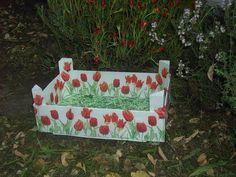 Cajas de Fresas (pág. 2) | Hacer bricolaje es facilisimo.com Strawberry Box, Fruit Box, Wooden Crates, Chalk Paint, Repurposed, Diy Crafts, Painting, Vintage, Home Decor