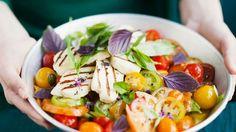 Tomatensalat mit Halloumi-Käse   http://eatsmarter.de/rezepte/tomatensalat-mit-kaese-0