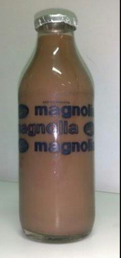 Magnolia Chocolait Bottle-I remember a dairy delivery man would drop by our house with his pail of bottled chocolait & milk and our parents would buy me & my bro a bottle each. Best Water Bottle, Beer Bottle, Bottle Images, Filipino Recipes, Filipino Food, Philippines Food, Chocolate Brands, Food Festival, Simple Pleasures
