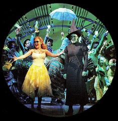 """It's all grand and it's all green"" Wicked - Musical pictures and photos!"