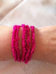 *** gehäkeltes Wickel - Armband - pink mit Pailletten -   ***