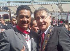 Deputado recebe Medalha de Honra da Inconfidência http://www.passosmgonline.com/index.php/2014-01-22-23-07-47/regiao/4584-deputado-recebe-medalha-de-honra-da-inconfidencia