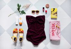 Emma Sundh knows what to bring for a perfect day at the beach, and ofcourse that…