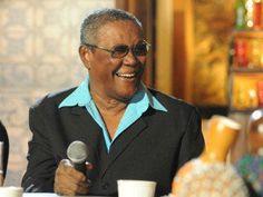 Wilson Moreira comemora 80 anos em roda de samba
