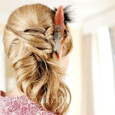 hair fancy hair with some feather action. pink her hair! Feathered Hairstyles, Pretty Hairstyles, Girl Hairstyles, Wedding Hairstyles, Updo Hairstyle, Hairstyle Ideas, Wedding Hair Pieces, Bridesmaid Hair, Bridesmaids