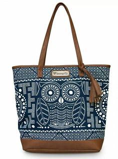 Loungefly Purse Navy and White Owl Tote Bag Tote Handbags, Purses And Handbags, Leather Handbags, Coin Purses, Owl Bags, Motifs Animal, Cute Owl, Cute Bags, Navy And White