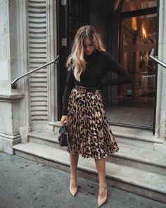 Cheetah Clothes, Leopard Outfits, Leopard Skirt Outfit, Leopard Shoes, Looks Chic, Looks Style, Classy Looks, Mode Outfits, Fashion Outfits