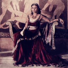 – winter is coming Greek Dress, King Robert, Rome Antique, Hand Of The King, A Discovery Of Witches, Hades And Persephone, Vash, Period Costumes, Fashion Tv