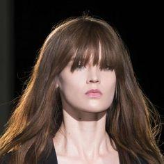coupe cheveux epais frange effilee