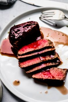 Homemade Bbq Sauce Recipe, Sauce Recipes, Beef Recipes, Beef Meals, Bordelaise Sauce, Bearnaise Sauce, French Sauces, Crispy Smashed Potatoes, Roasted Tomato Sauce