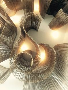 Find the best and most luxurious inspiration for your next lobby or reception in… - Ceiling Design Luxury Home Decor, Luxury Homes, Interior Architecture, Interior And Exterior, Modern Flooring, Ceiling Installation, Ceiling Treatments, Lobby Design, Co Working