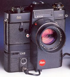 Leica is often criticized for not offering autofocus for the Leica M. Many feel that this is really the final step necess. Autofocus Camera, Nikon D700, Rolleiflex Camera, Leica M, Old Cameras, Vintage Cameras, Classic Camera, Movie Camera, Fotografia