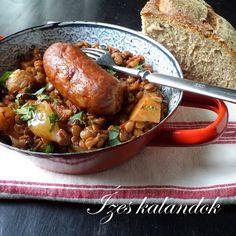 Ízes kalandok: Kolbásszal sült lencseragu Hungarian Recipes, Hungarian Food, Chicken Wings, Turkey, Meals, Toulouse, Hungarian Cuisine, Turkey Country, Meal