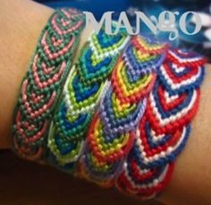 leaves friendship bracelet - tutorial Used to make these all the time as a kid. Friendship Bracelets Tutorial, Bracelet Tutorial, Friendship Bracelet Patterns, Macrame Jewelry, Macrame Bracelets, Ankle Bracelets, Jewelry Crafts, Handmade Jewelry, Bijoux Diy