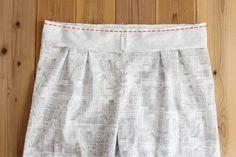 タック入りサーカスパンツの製図・型紙と作り方 | nunocoto fabric Linen Pants, Gym Men, Casual Shorts, Fabric, Women, Fashion, Dressmaking, Tejido, Moda