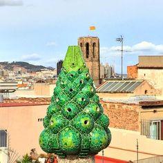 Gaudi chimney Palau Guell #gaudi #palauguell #barcelona #catalonia #mosaic #architecture #craftsmanship #art #artnouveau #trippics by sacrednine