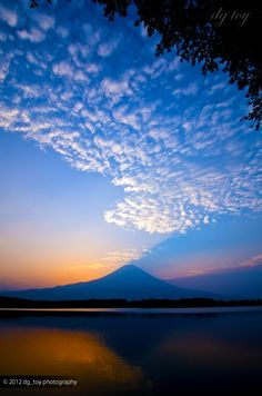 A Japan-inspired design is drawn from clouds approaching Mt Fuji  / Just for VIP www.flightpooling.com   #sky