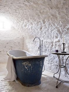Someday, when I have that old farmhouse in the south of France, I'm going to have this bathroom.
