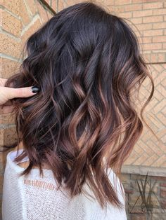 It's really important to choose the right hair style for you! Come and try these 48 latest fashion long hair styles. – Page 2 – Hairstyle Medium Hair Styles, Curly Hair Styles, Balayage Hair, Balayage Brunette Long, Hair Highlights, Full Highlights, Great Hair, Hair Looks, Hair Lengths