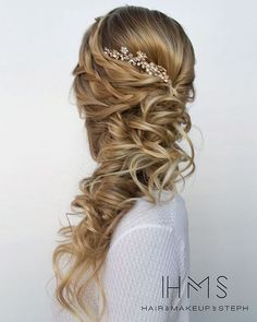 [tps_header] Hairstyles:Hair & Makeup by Steph[/tps_header] We are so in love with Stephanie Brinkerhoff of Hair & Make-up by Steph. Theirpretty wedding hairstyles are all we could ever want when it comes to...